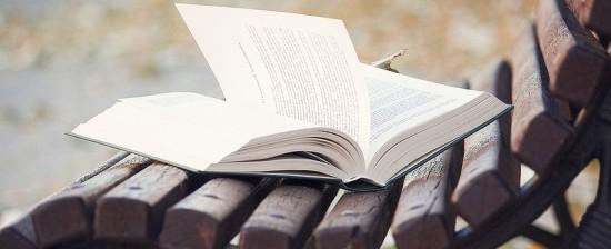 """C'è un """"libro sospeso"""" che ti aspetta…"""