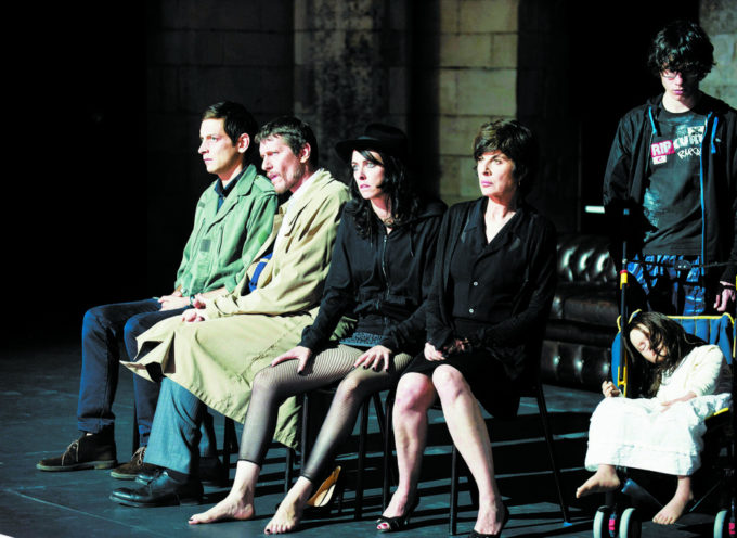 """Al Teatro Petrarca, """"Sei personaggi in cerca d'autore"""" per la stagione teatrale 2016"""