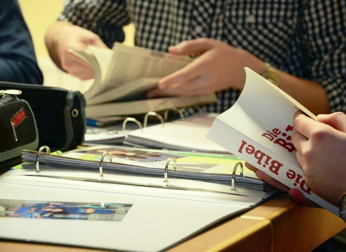 Studying & training abroad. La guida della rete Erasmus
