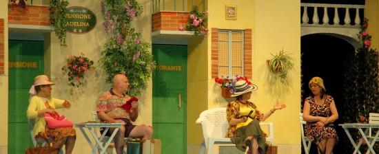 """La Compagnia del Polvarone replica lo spettacolo """"Pensione Adelina"""" al Teatro Petrarca!"""