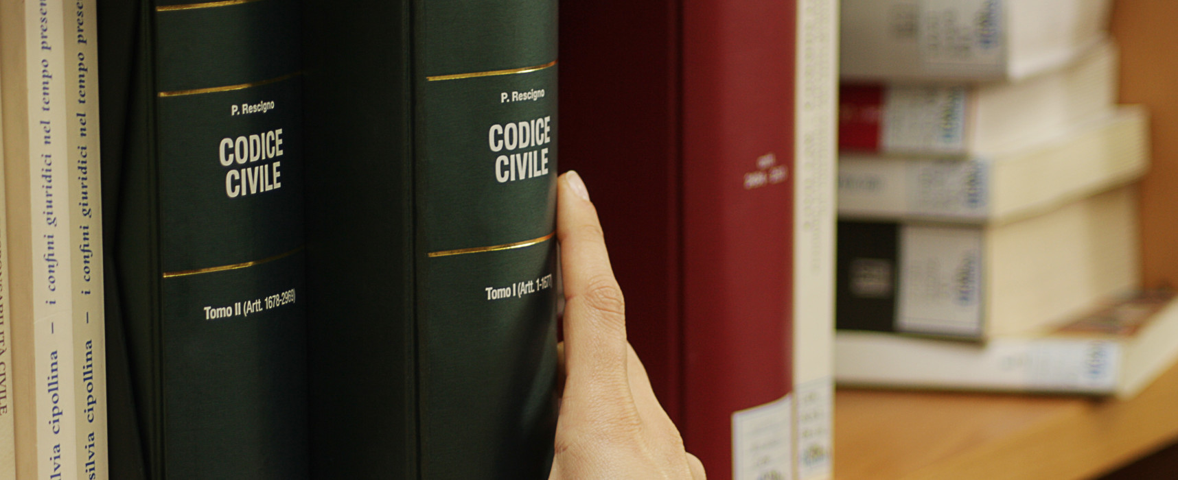 Tredici borse di studio per laureati in Giurisprudenza in convenzione tra gli Atenei toscani, la Regione Toscana e la Corte d'Appello di Firenze