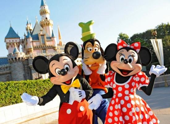 Lavoro: Selezione di 100 giovani per Disneyland Paris