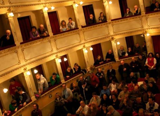 Al via la stagione teatrale al Teatro Stabile di Anghiari: info su campagna abbonamenti e tutti gli spettacoli