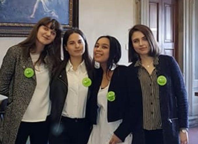 Gli alunni del Liceo Colonna Ciceroni a Palazzo Albergotti durante el giornate FAI di primavera