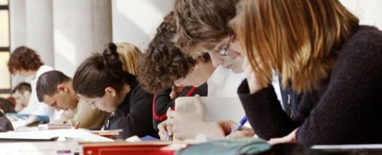 Aperti i bandi di ammissione per i corsi di laurea a numero programmato dell'Università di Siena in Scienze biologiche, Farmacia e Chimica e tecnologia farmaceutiche Le domande entro il 10 luglio