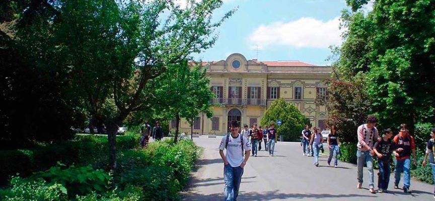 L'Università di Siena per il Censis è il migliore Ateneo statale in Italia. Nelle classifiche della didattica, il corso di laurea in Scienze dell'educazione e della formazione di Arezzo è secondo dopo quello dell'Università La Sapienza di Roma