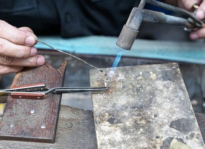 2 Corsi GRATUITI per Tecnico dell'ideazione, disegno e progettazione di manufatti orafi