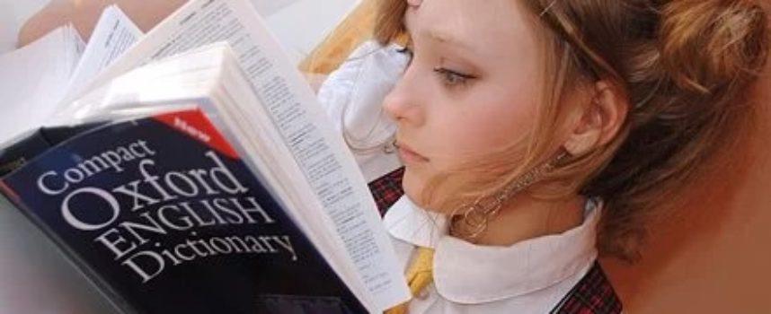 Atena Firenze promuove un corso d'inglese base e gratuito in webinar