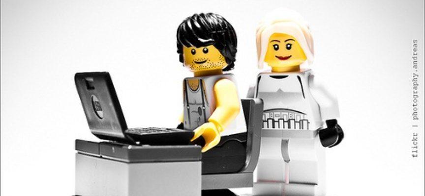 LEGO – sede di Londra cerca un social media manager con conoscenza dell'italiano e dell'inglese