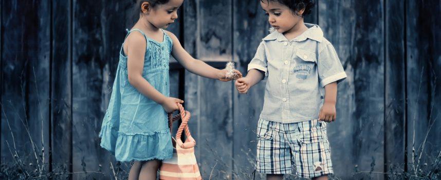 """""""Bella presenza"""": metodi relazioni e pratiche nella comunità educante"""