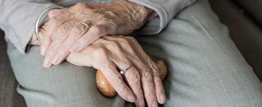 Bando Time to Care per 1200 giovani da impiegare in progetti a supporto degli anziani