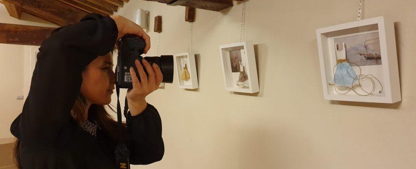 """Prorogata al 6 settembre la mostra """"Le regine di carta"""", di Sara Lovari"""