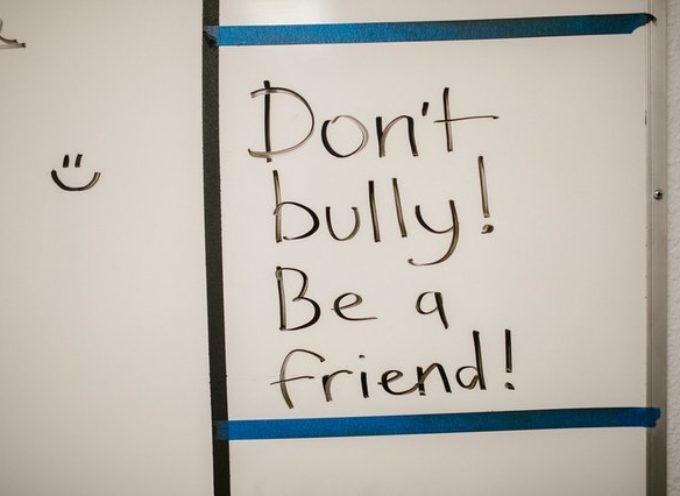 """Concorso """"Art against Teen Dating Violence"""" – la creatività degli adolescenti contro la violenza"""